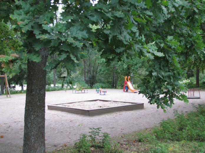 koivikkotien leikkipuisto p img 1109 sp