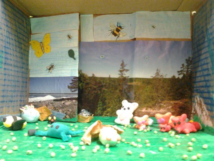 Luonto ja eläimet lasten silmin - näyttely Maunulan kirjastossa